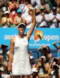 Les plus belles photos et vidéos de Maria Sharapova Th_40578_Australian_Open_2008_-_Final_01_123_1019lo