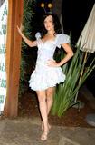 Dominique Swain - Michelle Jonas Spring07 Fashion Show Oct 28