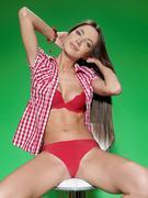 http://img150.imagevenue.com/loc95/th_537341028_Calquera_Elle_D_0026_123_95lo.jpg